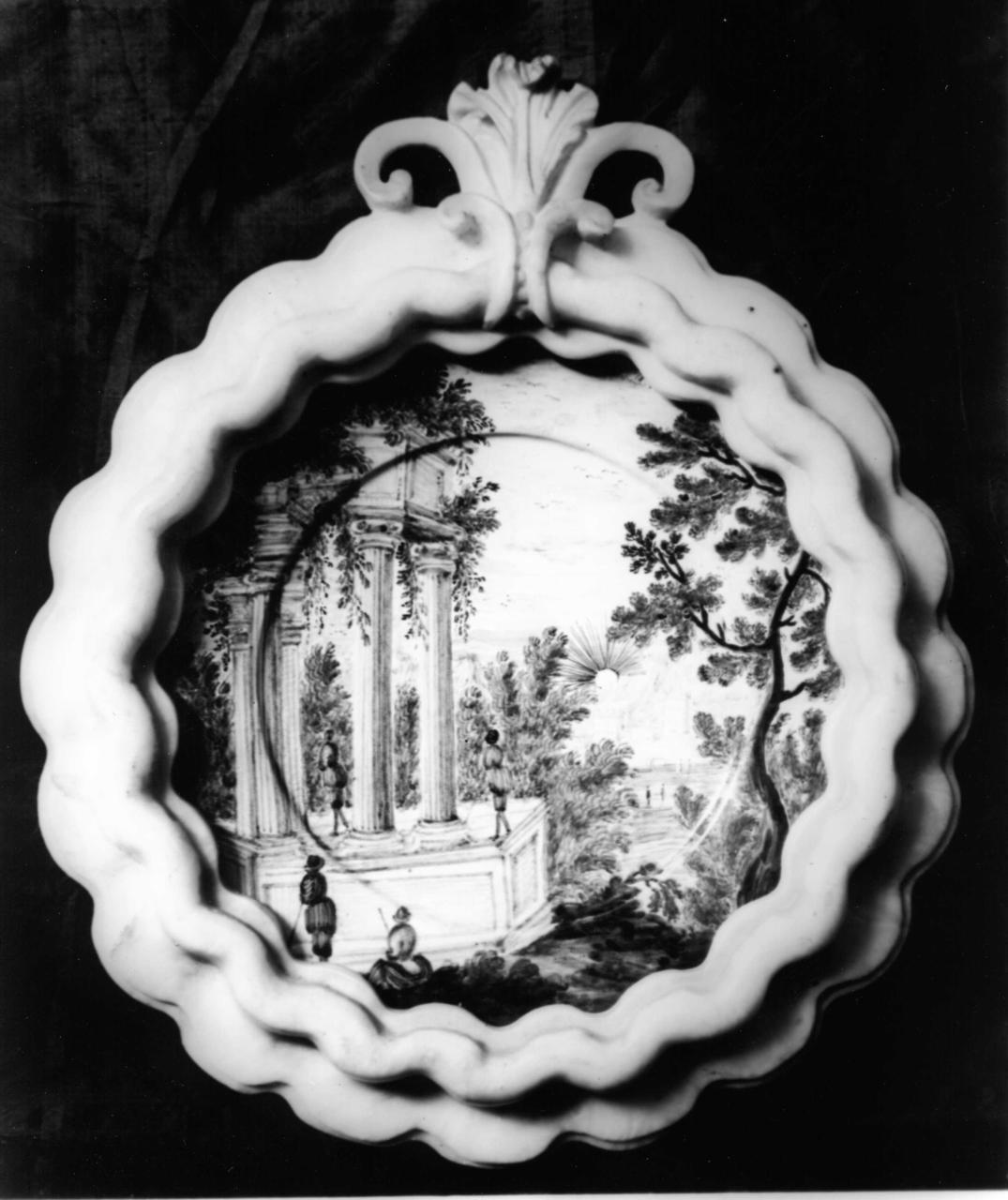 paesaggio con rovine (piattino, coppia) - bottega di Castelli (metà sec. XVIII)