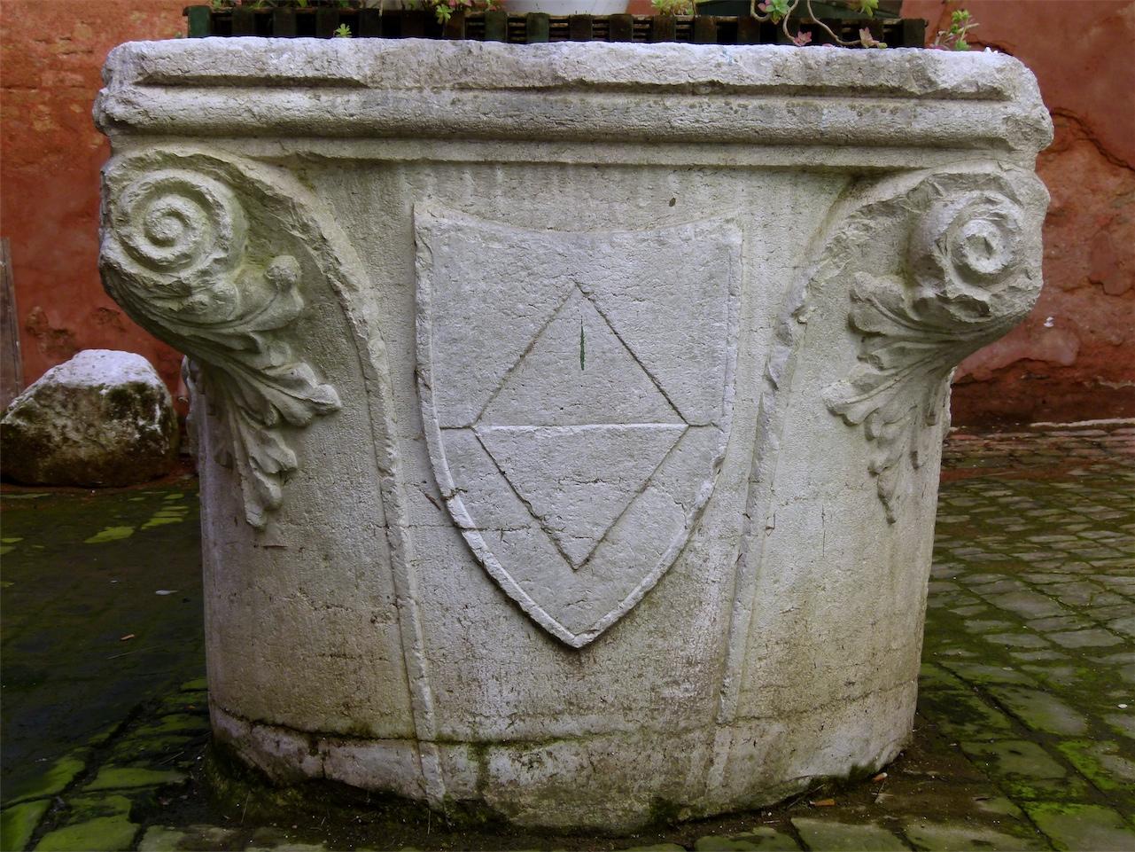 elementi decorativi (vera da pozzo, opera isolata) - produzione veneziana (sec. XV)