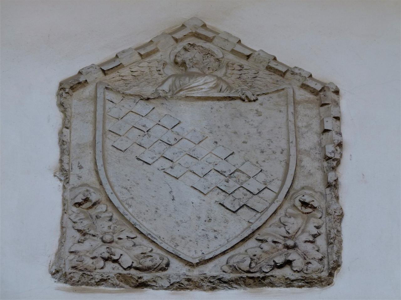 stemma gentilizio della famiglia Surian (rilievo, opera isolata) - ambito veneziano (secc. XIV-XV)