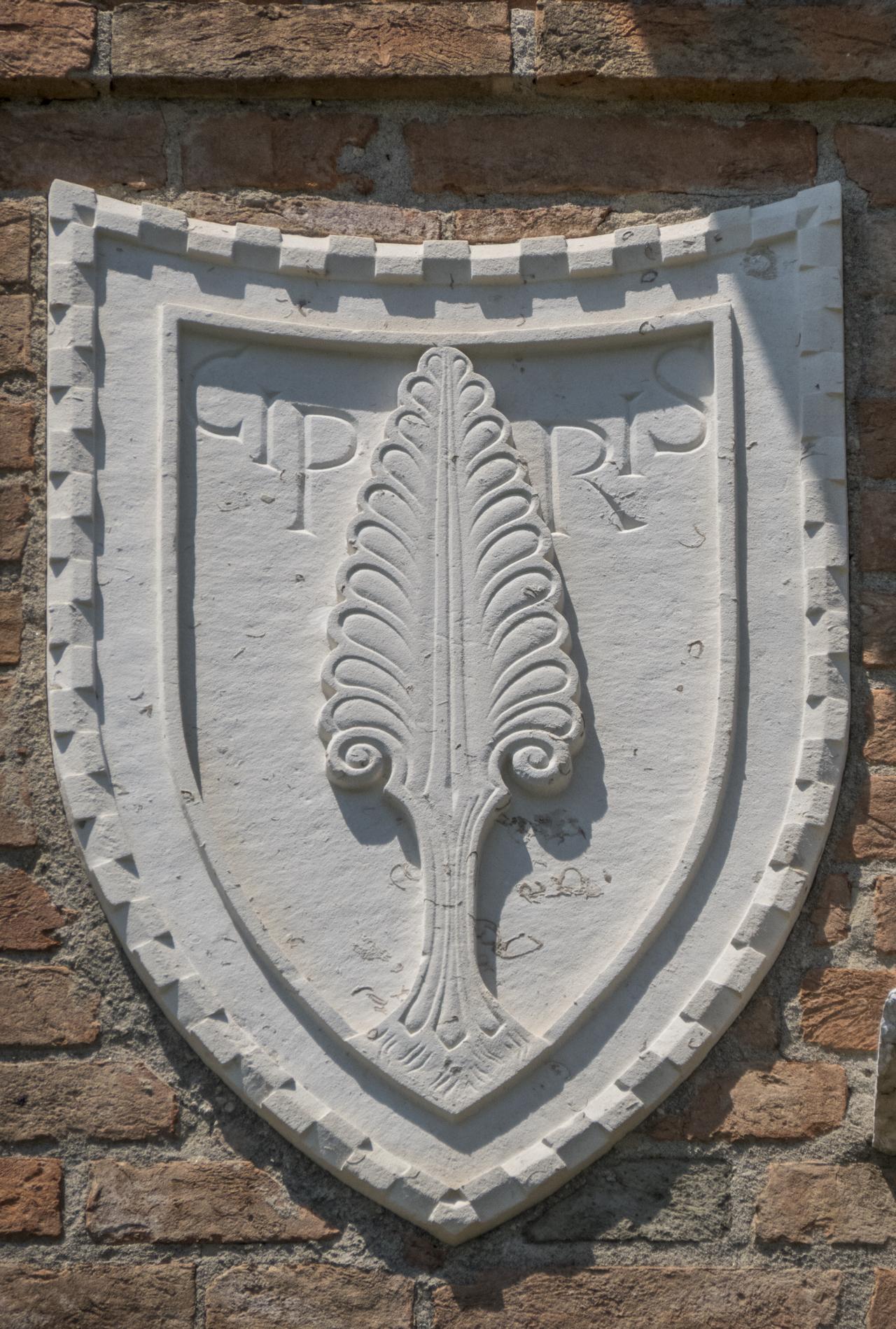 cipresso, motivo decorativo a dentelli (rilievo, serie) - ambito veneziano (sec. XX)