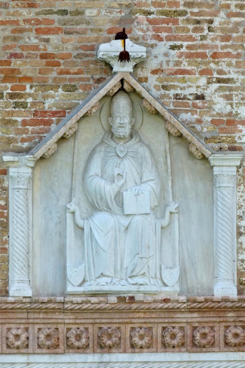 San Gregorio in cattedra (rilievo, opera isolata) - ambito veneto (meta' sec. XIV)