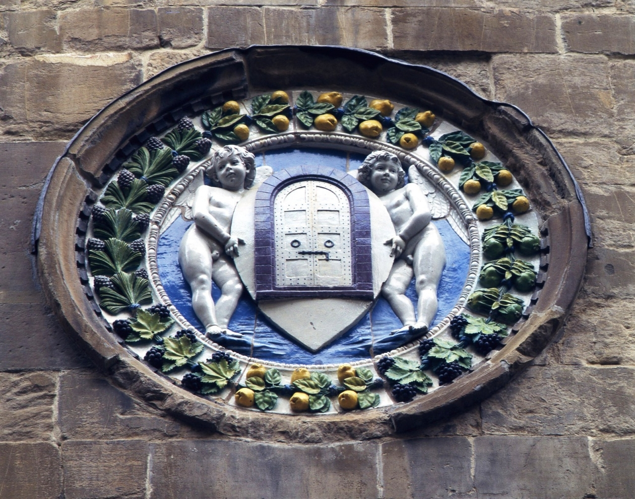 stemma dell'Arte di Por Santa Maria (o Arte della Seta) (rilievo) di Della Robbia Andrea (attribuito) (terzo quarto sec. XV)