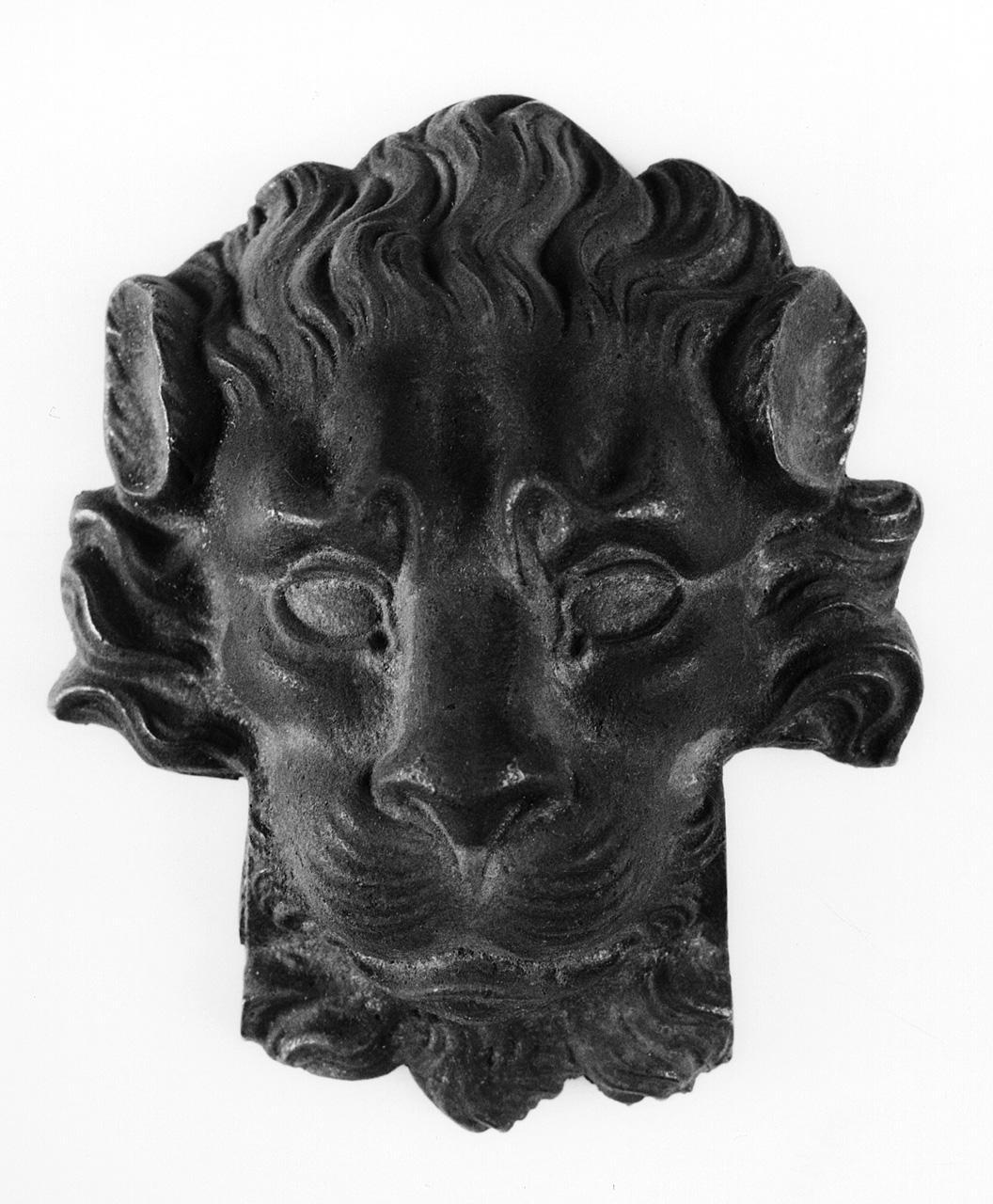 testa di leone (borchia) di Officine Strada Ferrata Leopolda (seconda metà sec. XIX)