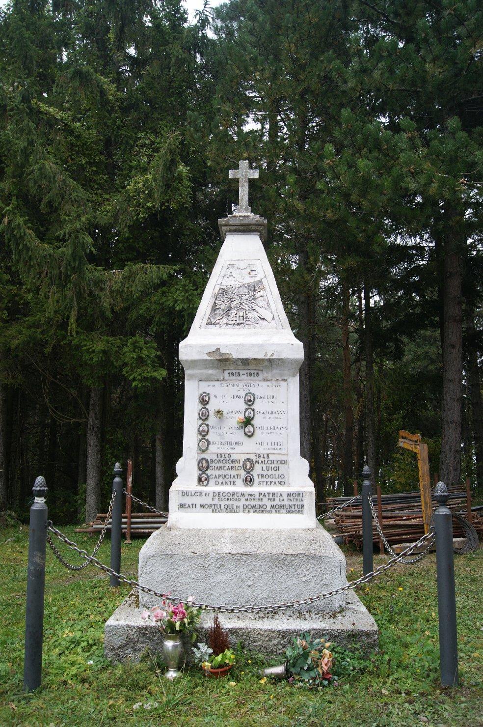 monumento ai caduti - a cippo - ambito piacentino (sec. XX)