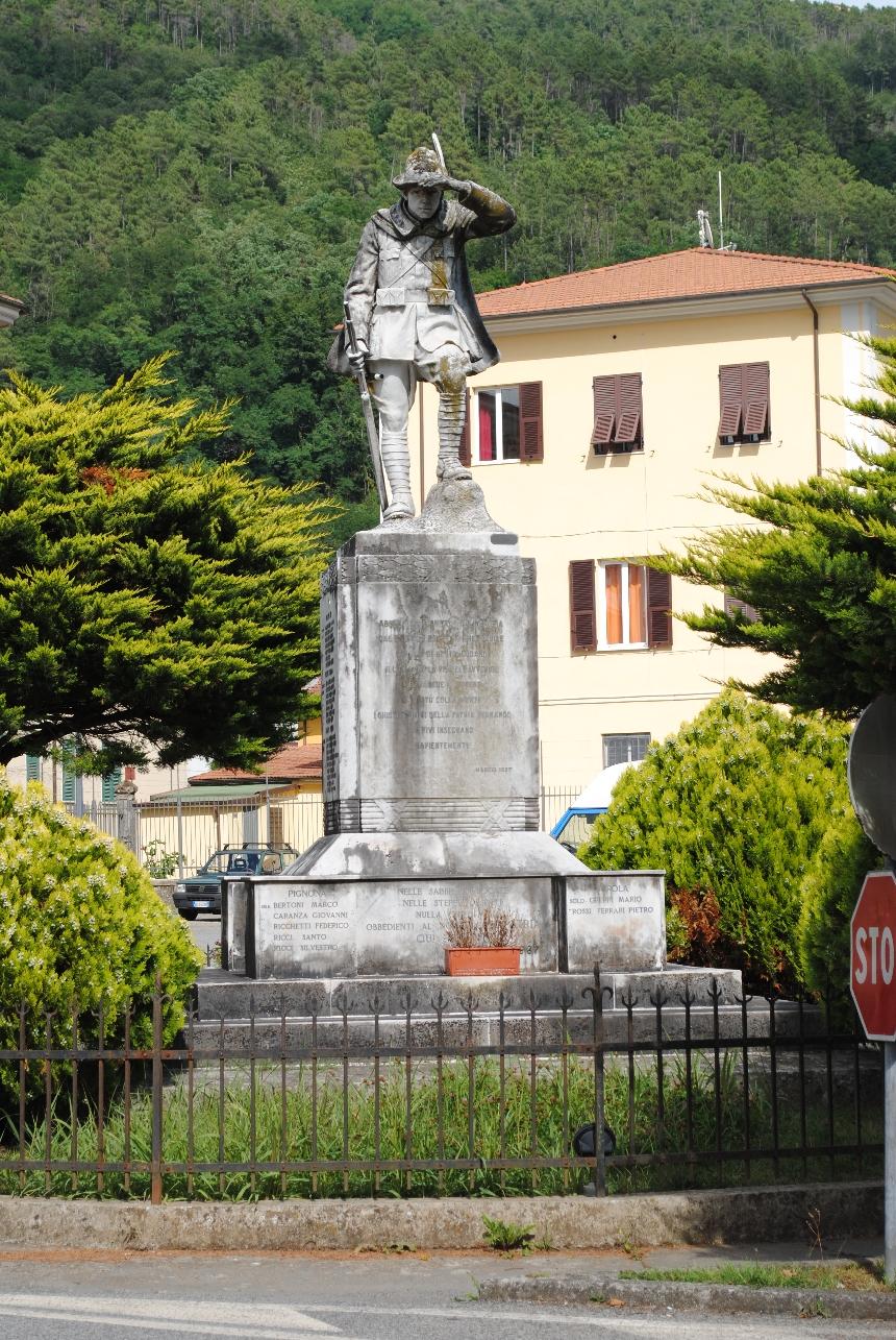 figura di soldato: alpino (monumento ai caduti - a cippo) - ambito italiano (secondo quarto XX)
