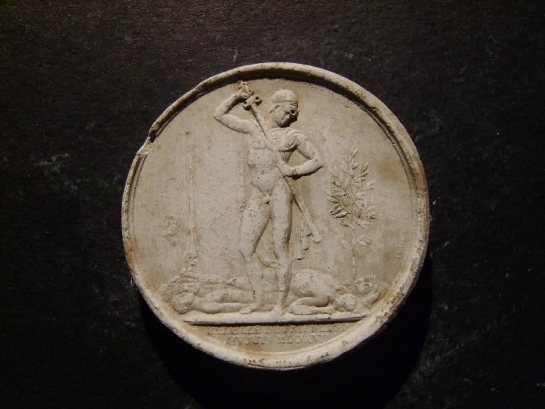 Medaglia commemorativa della battaglia di Friedland, Eroe inguaina la spada accanto a soldati sconfitti e ad un albero d'alloro (calco, opera isolata) - ambito italiano (prima metà sec. XIX)