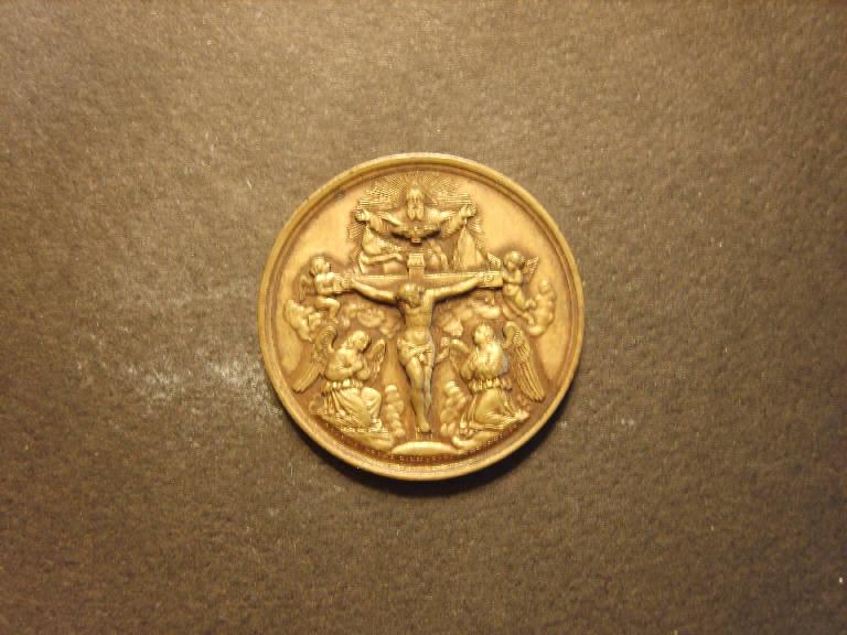 Madonna dei sette dolori/ Gesù crocifisso con Dio Padre e lo Spirito Santo (medaglia, opera isolata) - ambito italiano (primo quarto sec. XX)