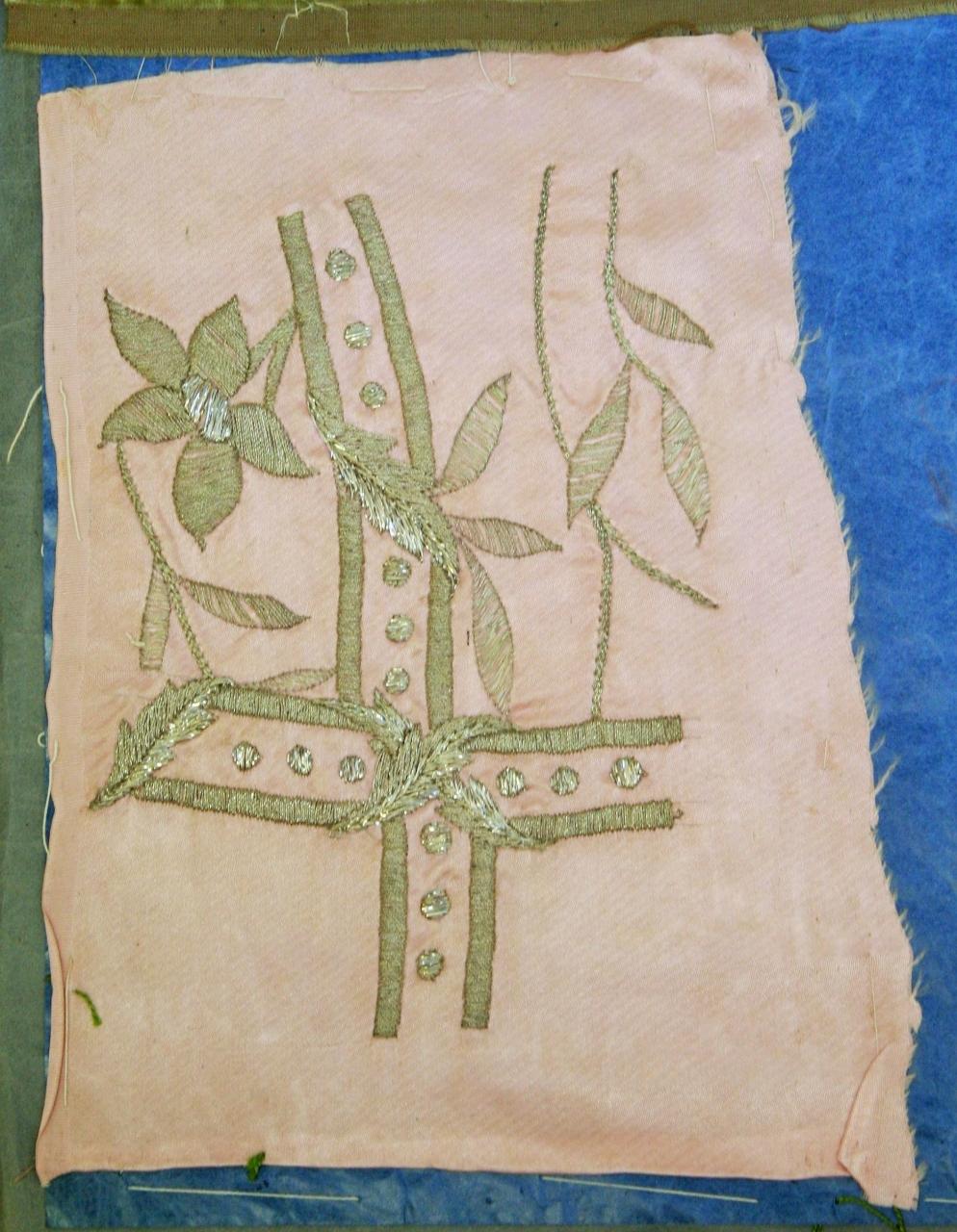 decorazione a ricamo, frammento - ambito milanese (inizio sec. XX)