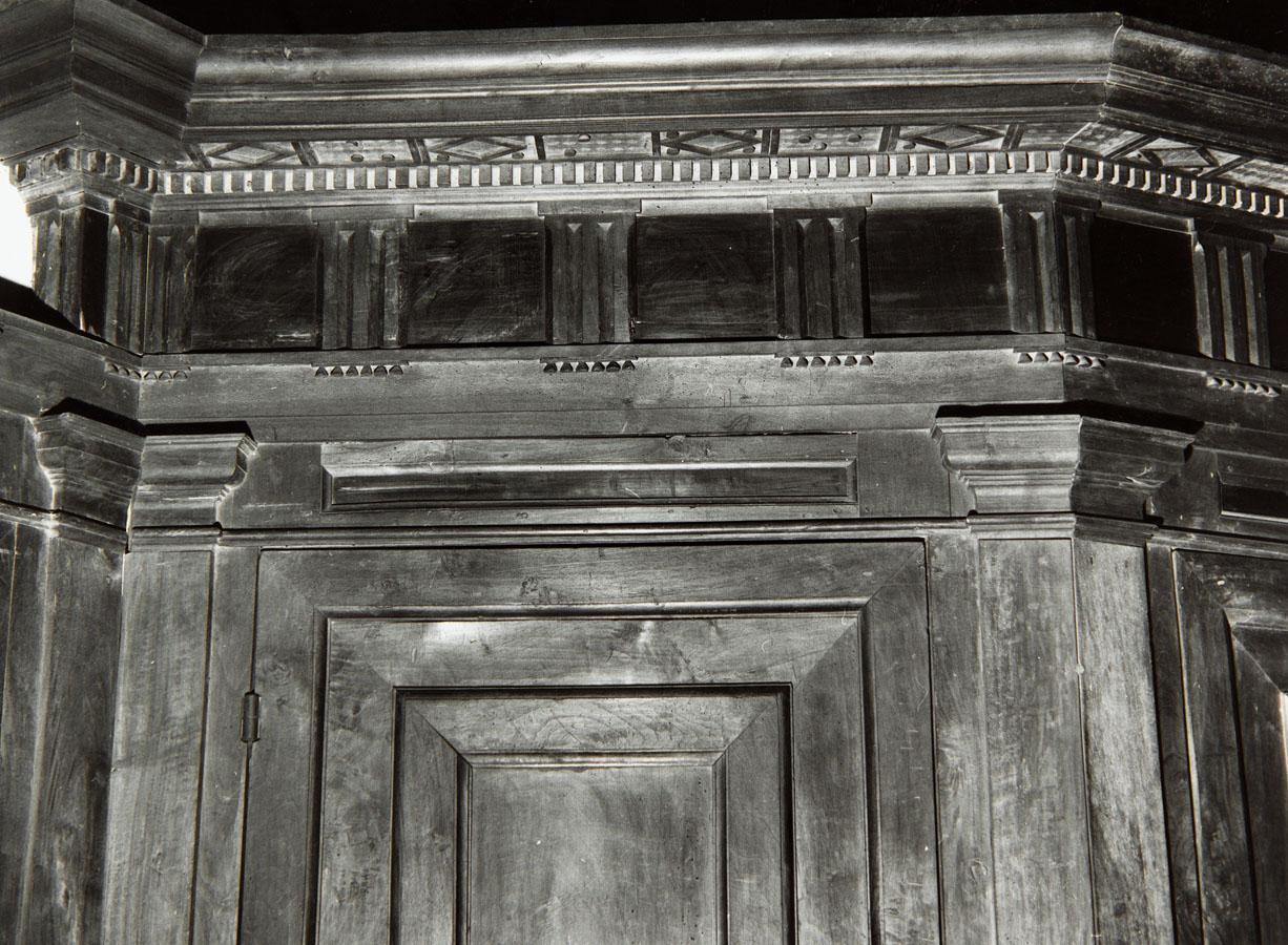 armadio, opera isolata - ambito romano (sec. XVI)
