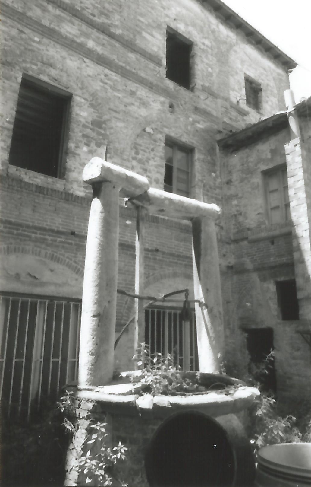 Pozzo del Monastero delle Clarisse (pozzo) - tardo rinascimento