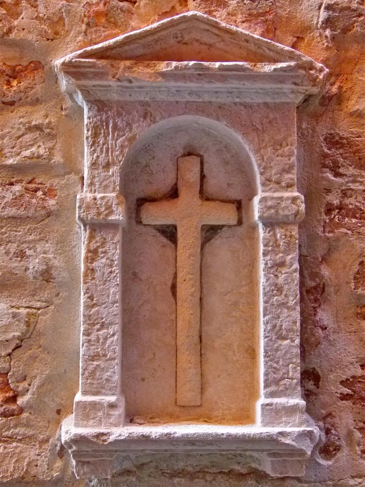 croce, edicola (edicola votiva, opera isolata) - ambito veneziano (secc. XVI-XVIII)