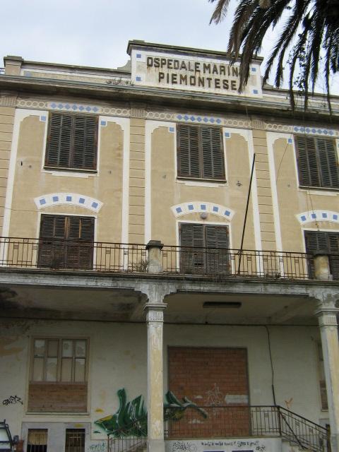 Ex Ospedale Marino Piemontese con parco e annessa casa del custode (ospedale) - Loano (SV)