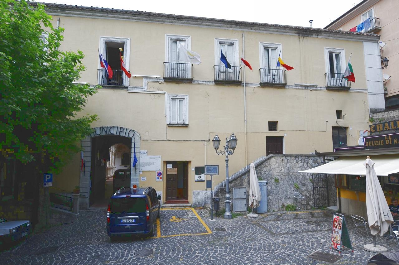 Ex Convento Agostiniano: il chiostro (convento) - Campagna (SA)