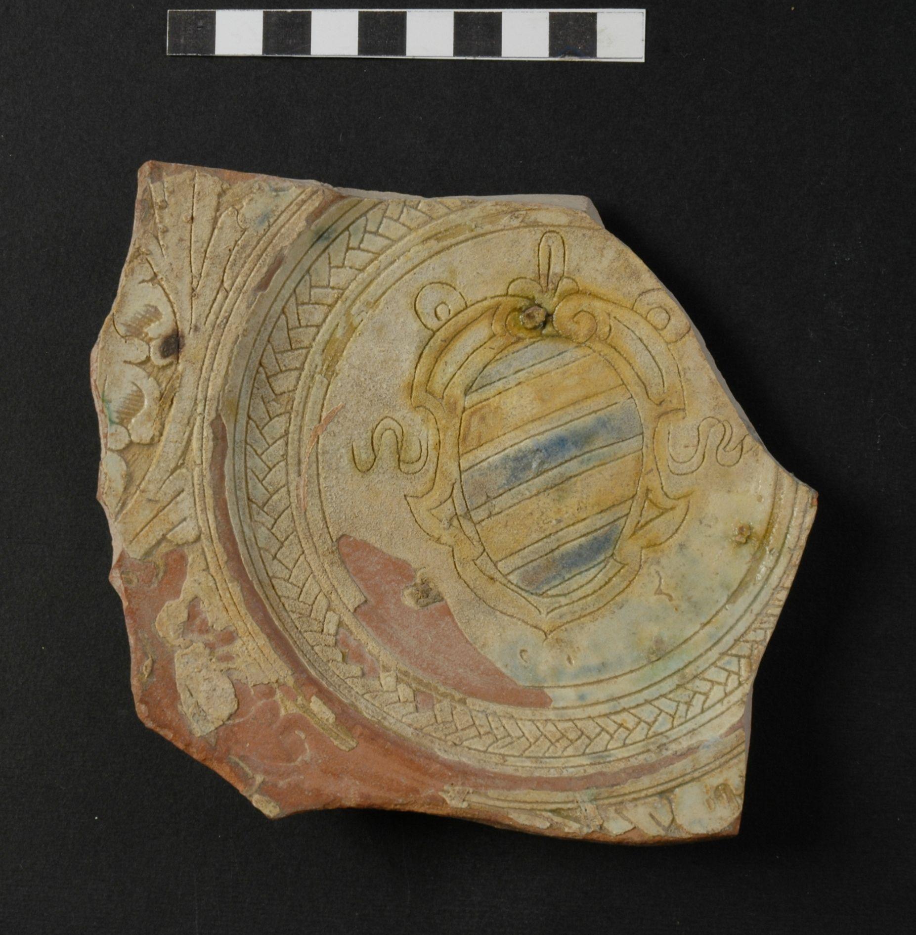 piatto, frammento - ambito toscano (secc. XVI/ XVII)