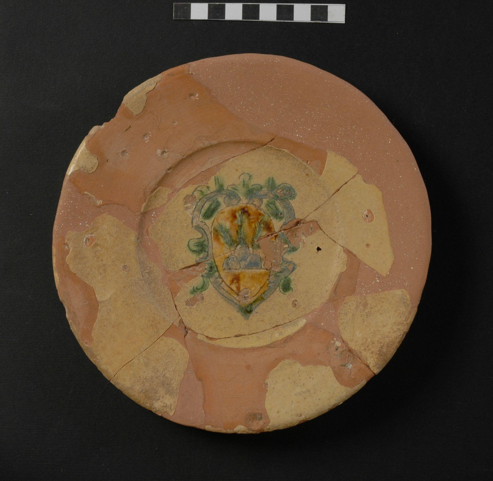piatto, opera isolata - ambito toscano (secc. XVI/ XVII)