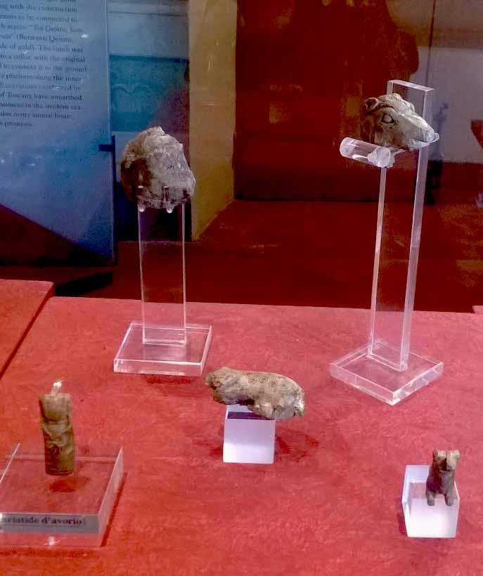 Elemento di corredo (statuetta, testa di cavallo (da insieme)) - ambito etrusco (terzo quarto VII a.C)