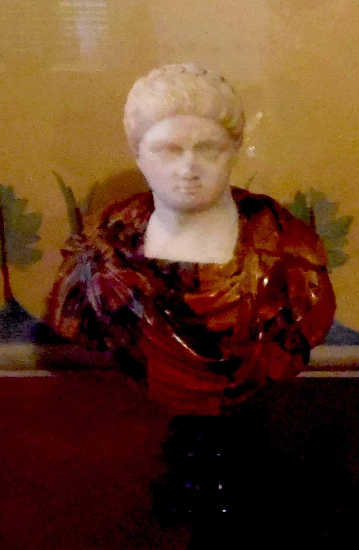 Piccola statua ritraente figura maschile (statuetta) - ambito romano (I)