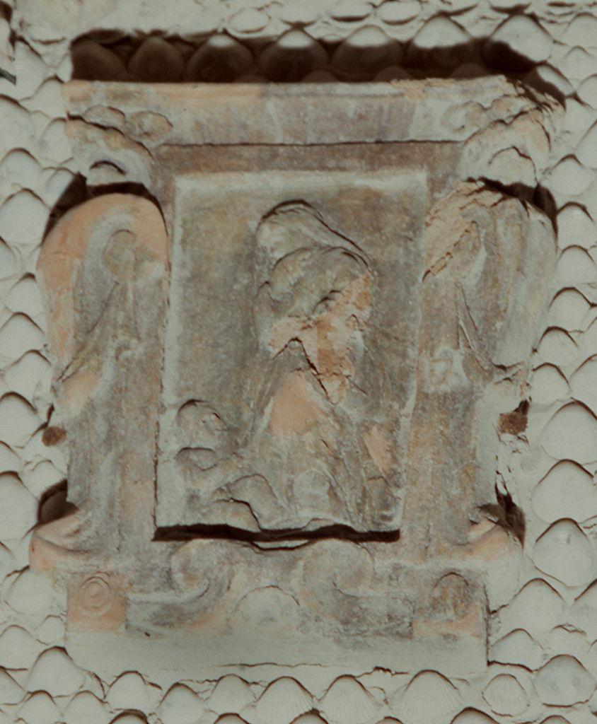 figura femminile con bambino (rilievo) di Mati Piero (sec. XVI)