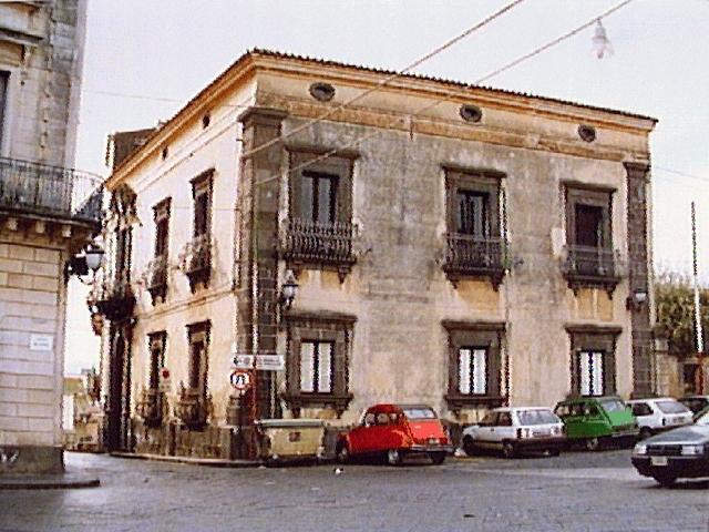 palazzo Puglisi Cosentino (palazzo, residenziale) - Acireale (CT)