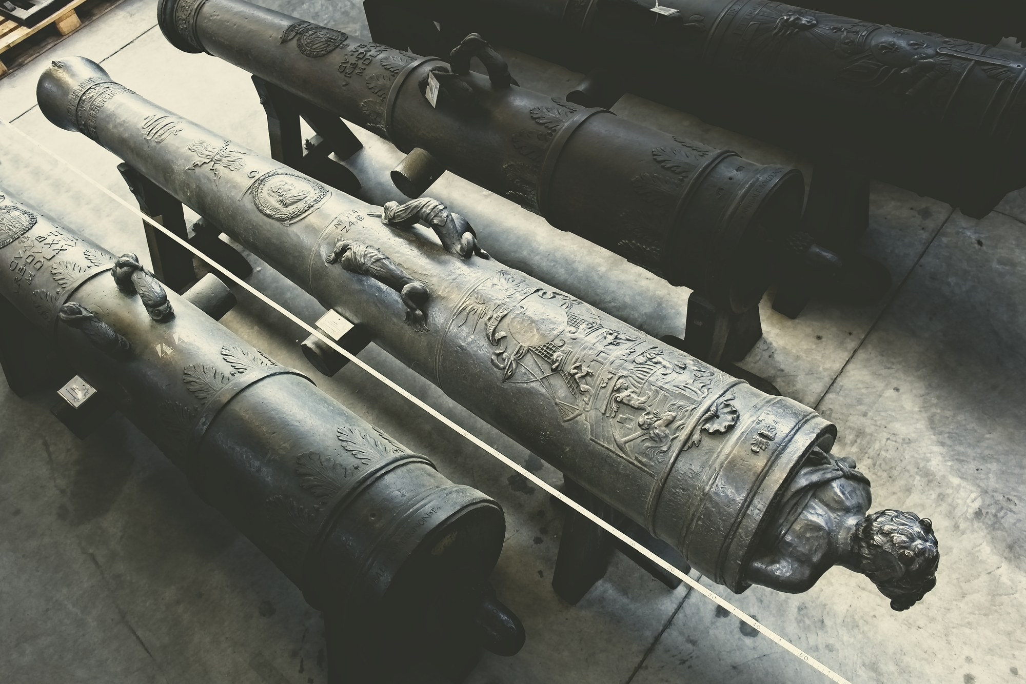 artiglieria antica (mezzo cannone da 24 libbre francesi) di Ravhe de Toulon (officina) - Regno di Francia sec.XVII (sec. XVII, ultimo quarto)