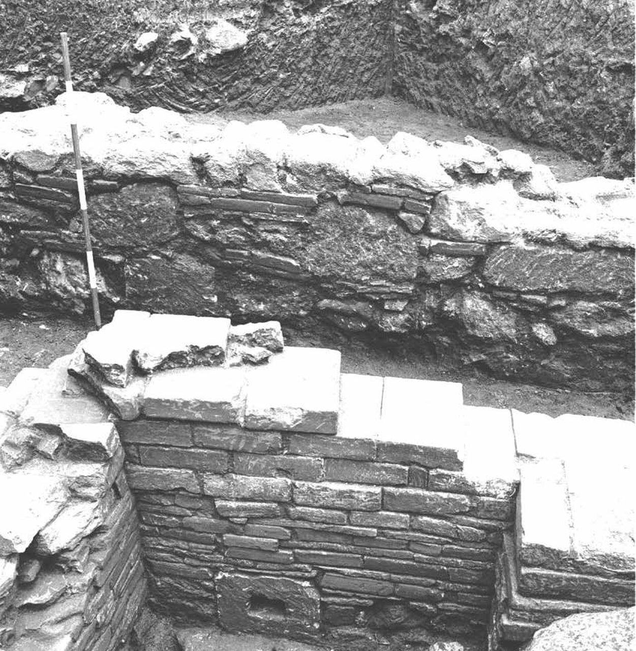 Area sacra del Cofino (complesso cultuale, strutture per il culto) - Vibo Valentia (VV)  (VI-III a.C./ II-V d.C)