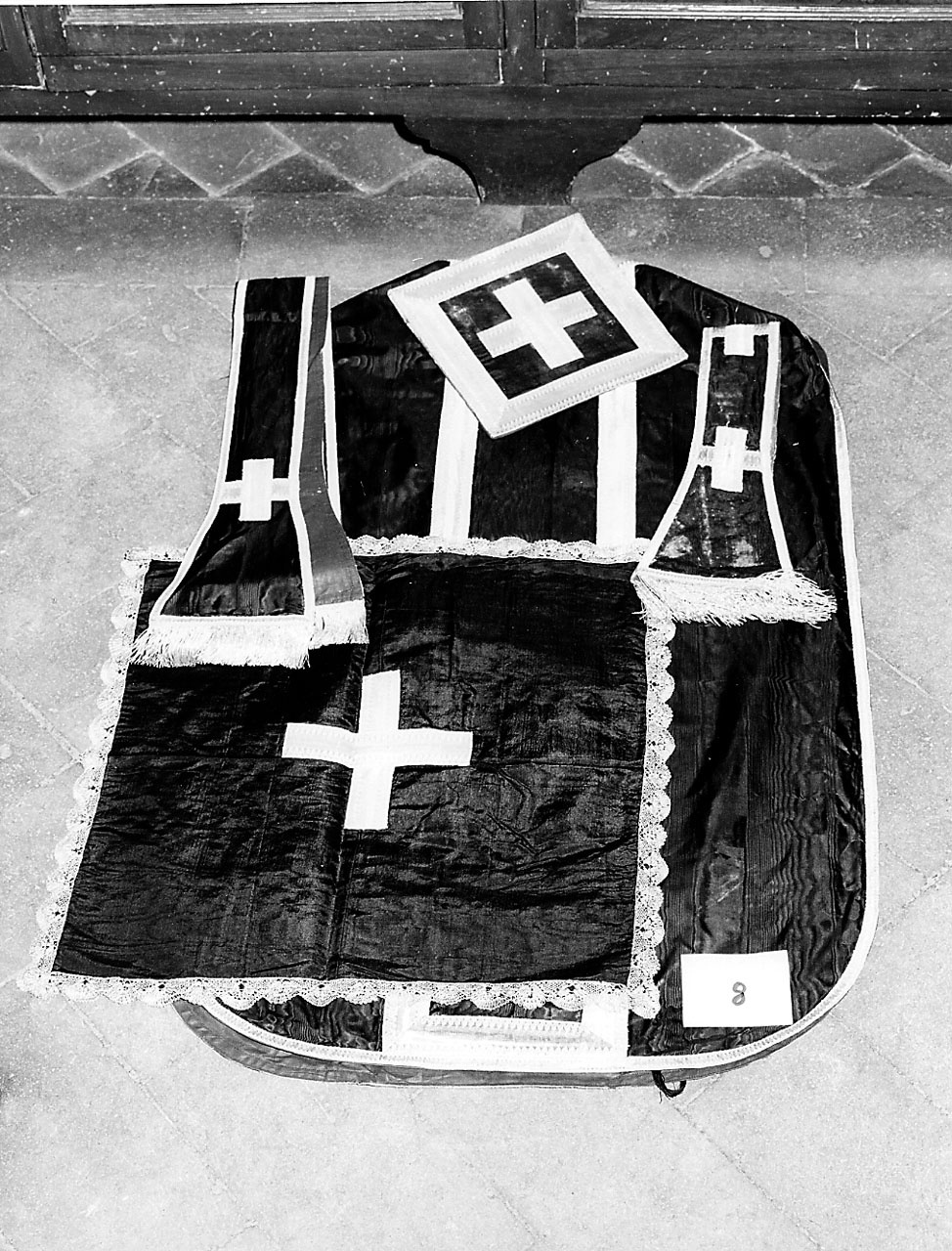 paramento liturgico - manifattura toscana (prima metà sec. XIX)