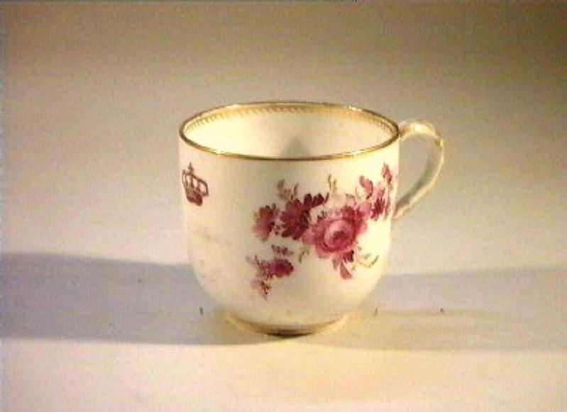 motivi decorativi floreali (tazzina) - manifattura di Meissen (sec. XIX)