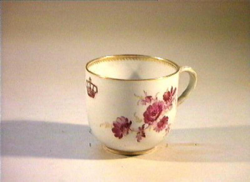 motivo decorativo floreale (tazzina) - manifattura di Meissen (sec. XIX)