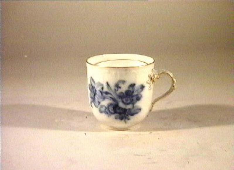 motivi decorativi vegetali e animali (tazza) - manifattura reale di Prussia (sec. XIX)