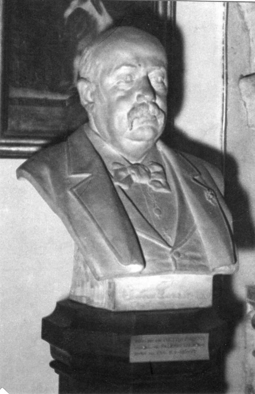 ritratto di Pietro Foresti (scultura) di Lugli Salesio (sec. XIX)