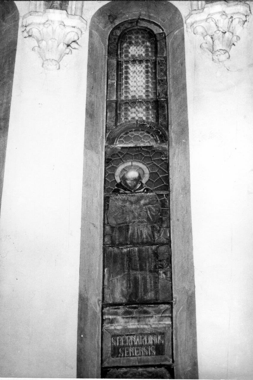 San Bernardino da Siena (vetrata) - bottega modenese (secondo quarto sec. XX)