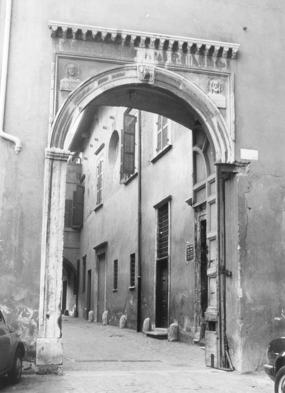 portale di Bramante Donato (sec. XV)