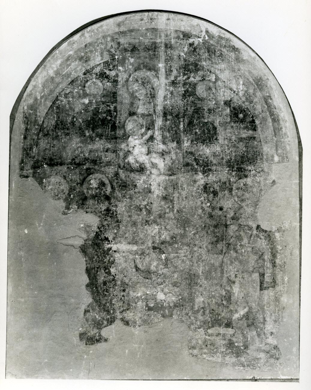 Madonna con Bambino in trono con santi e angeli (dipinto murale, frammento) - ambito lombardo (sec. XVI, prima metà)