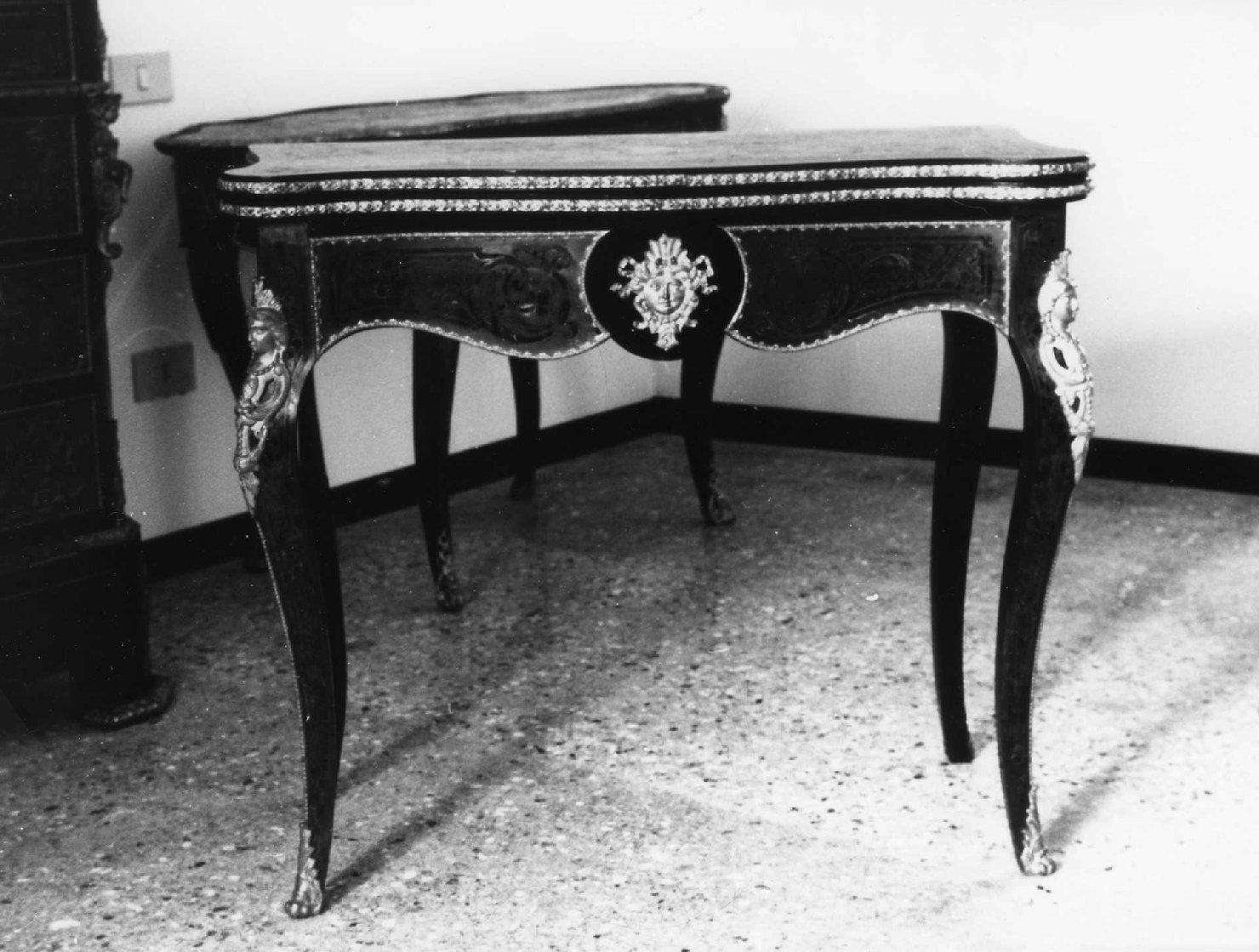 cassettone, serie - manifattura francese, manifattura francese (metà, metà sec. XIX, sec. XIX)