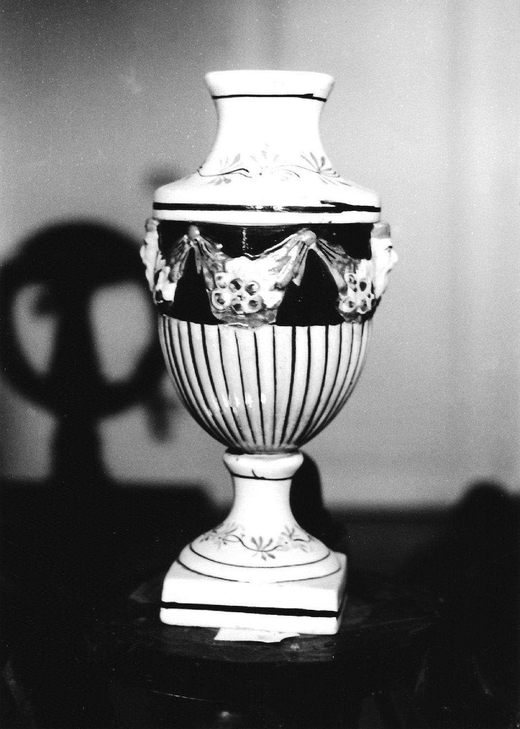vaso, opera isolata - ambito italiano (secc. XVIII/ XIX)